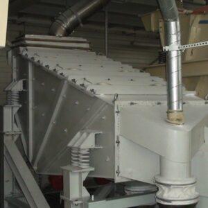 przesiewacz-wibracyjny-liniowy-bezwladnosciowy-typ-2pwb-36