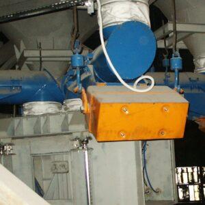 Podajnik wibracyjny rurowy z napędem elektromagnetycznym typ PWR